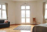 wohnungen und wohnen auf zeit private wohnungen in berlin friedrichshain. Black Bedroom Furniture Sets. Home Design Ideas